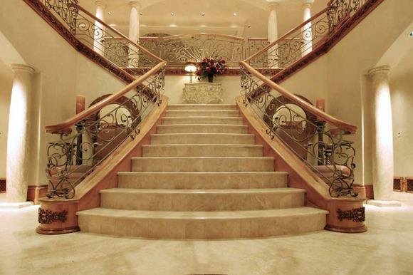 Изготовление ступеней и лестниц из мрамора и гранита, ступени из мрамора и гранита