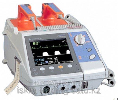 Портативный бифазный дефибриллятор Cardio Life TEC-5531K