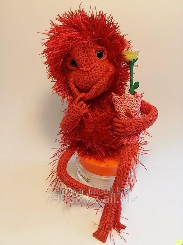 Купить Игрушка ручной работы. Красная обезьянка. Вязаная крючком. Сувениры ручной работы. Игрушки на заказ
