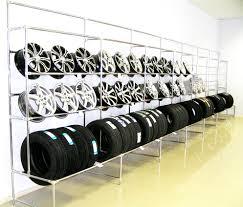 Стенды выставочные, Выставочный стеллаж для авто шины и диска