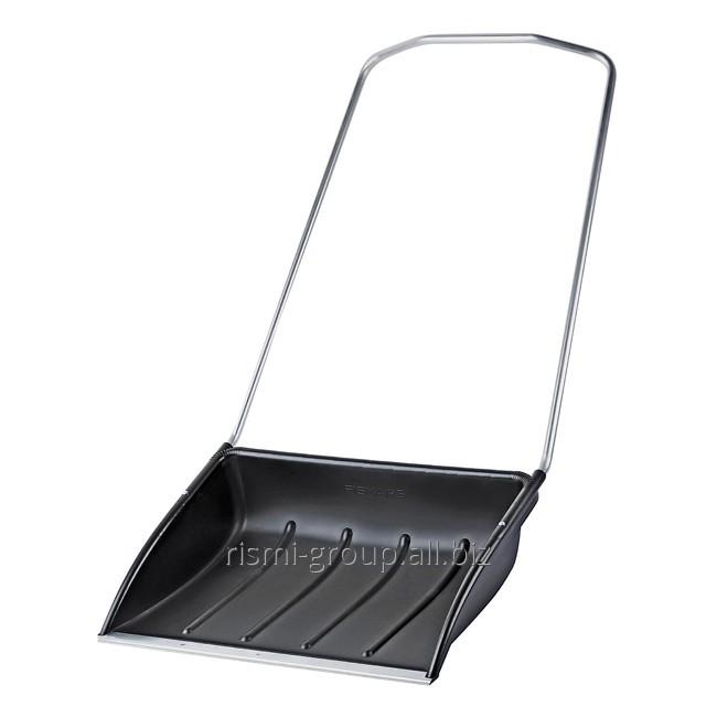 The scraper for snow 750 x 550 mm, plastic