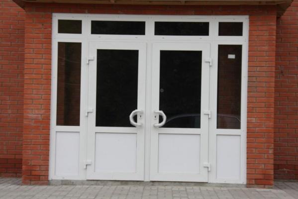профиль на входную пвх дверь в магазин
