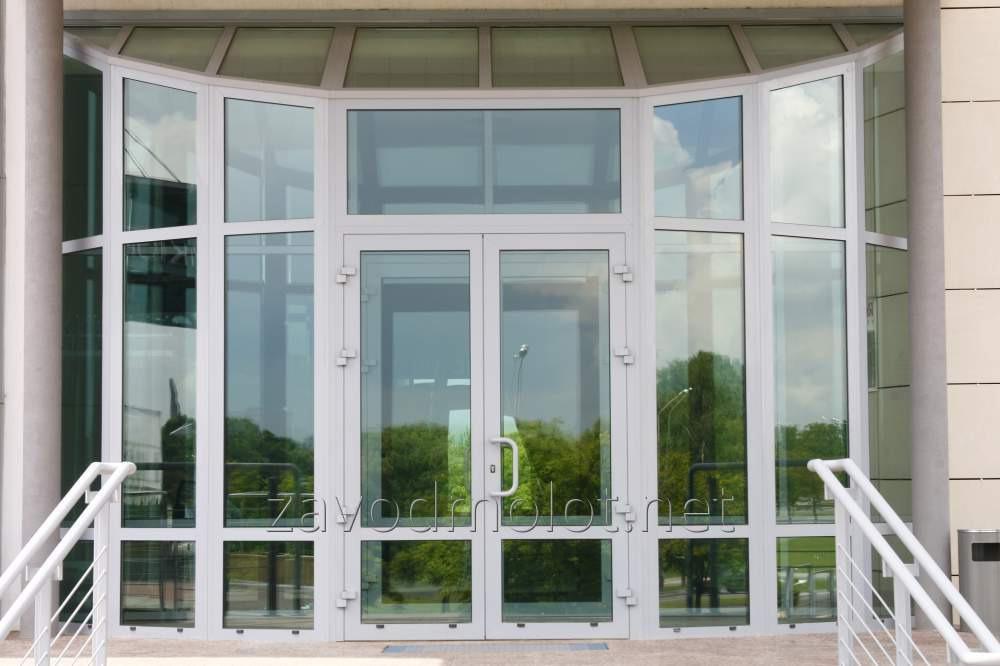 Двери из алюминия