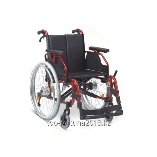 Wheelchair walking for adults from a wheel rim