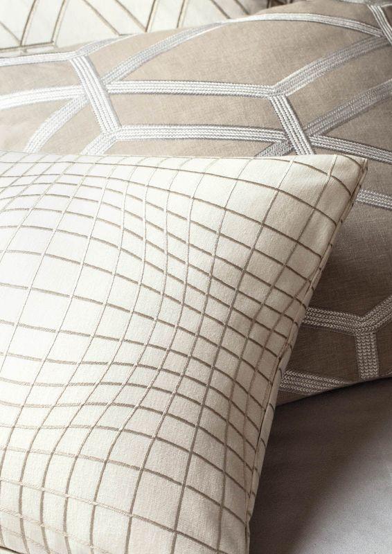 Ткань с вышивкой Daylight Elegancia