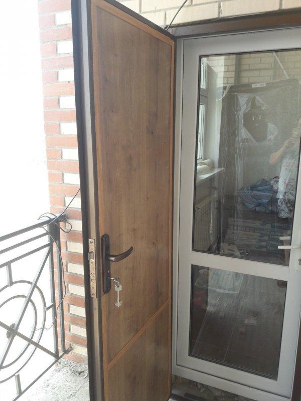 Металлическая (железная) дверь
