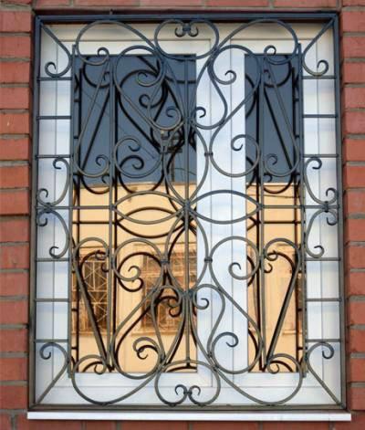 Дорогие кованые решетки на окна