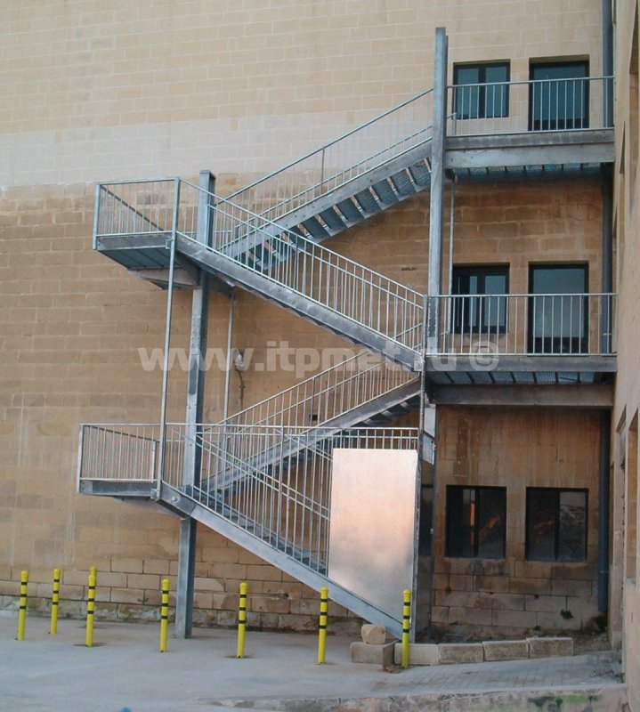 External fire-escape