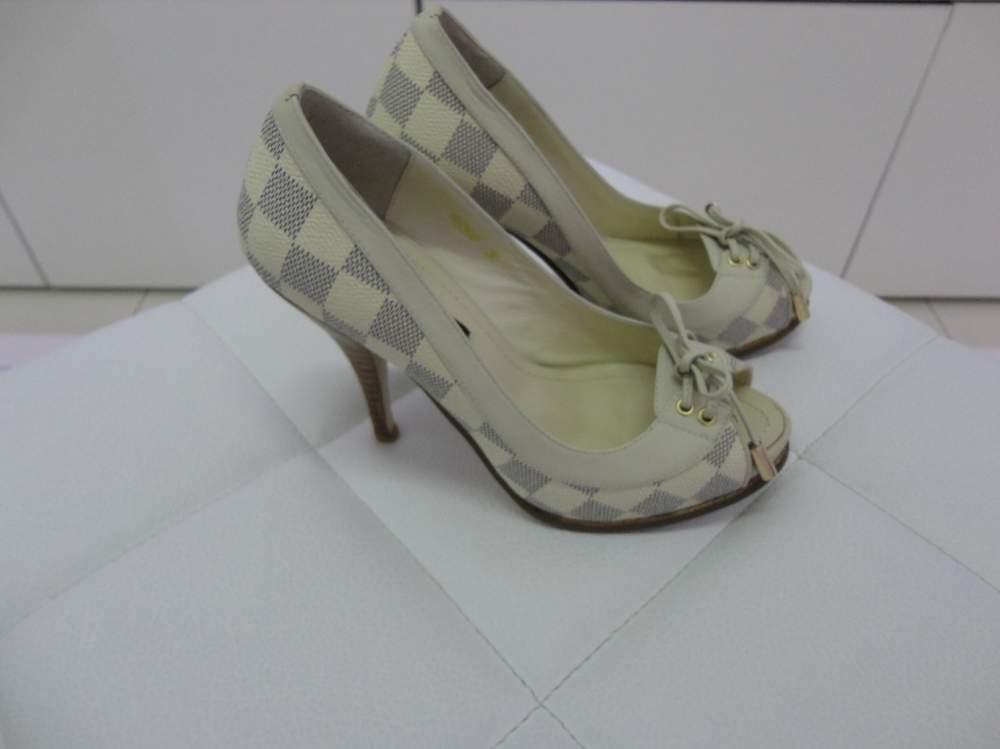 Купить Босоножки женские Louis Vuitton