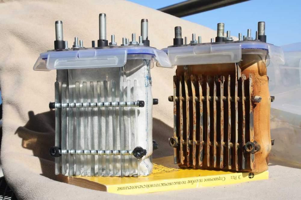 Электролизер извлечения меди из руды и шлама