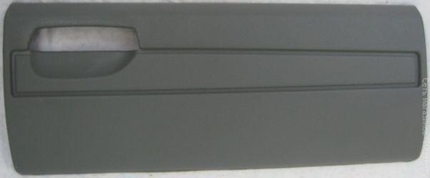 Панель дверцы вещевого ящика наружняя 3310-5303020