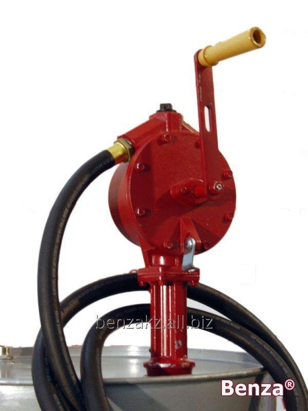 Купить Ручной насос перекачки бензина и дизтоплива топлива Benza 39