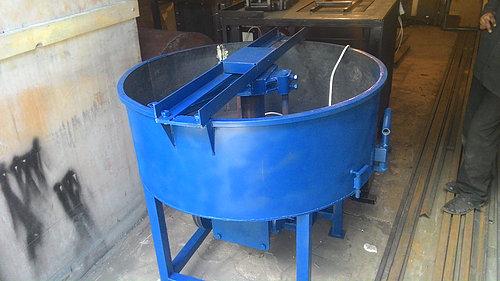 Бетоносмеситель принудительного типа, объем 300 л.(производительность 3 м3/час, 4 кВт, 380В)