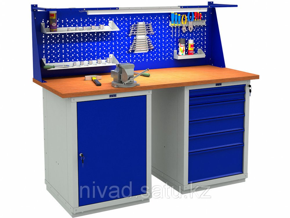 Metal workbenches