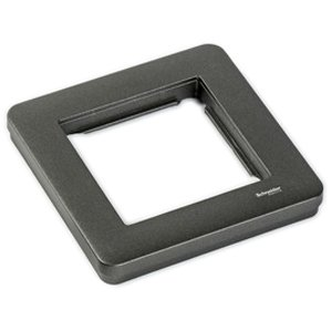 Передняя панель темно-серого цвета