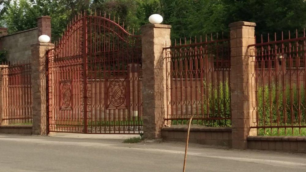 Купить Металлический забор с воротами