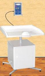 """Весы электронные настольные для новорожденных и детей до полутора лет ВЭНд-01-""""Малыш"""" с электронным ростомером встроенные в стол для пеленания"""