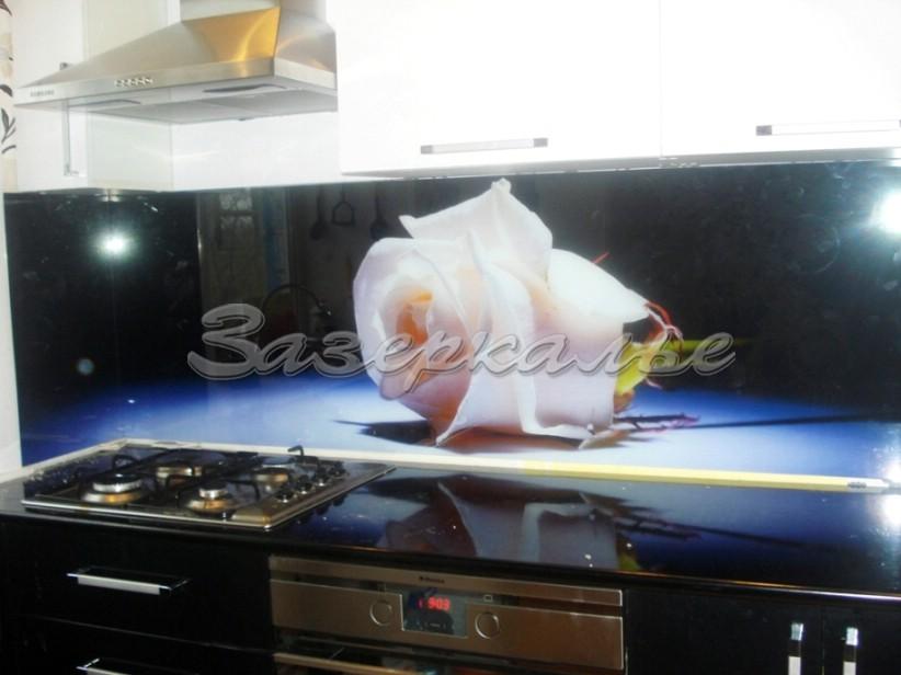 Фартук для кухни белые розы
