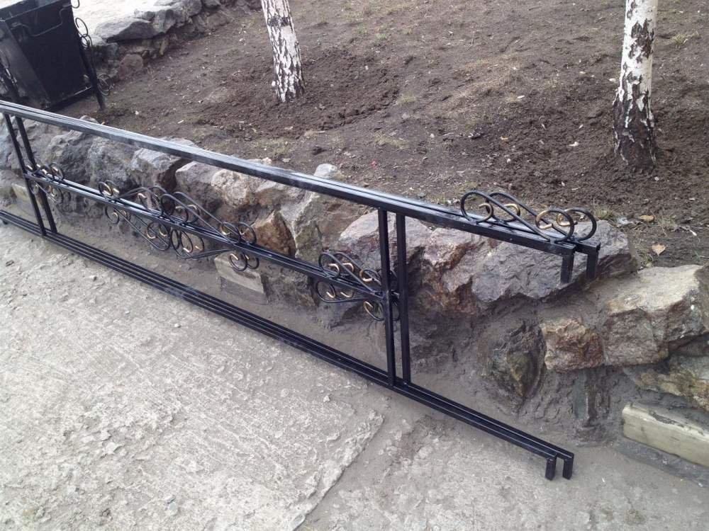 Купить Ограда металлическая социальная
