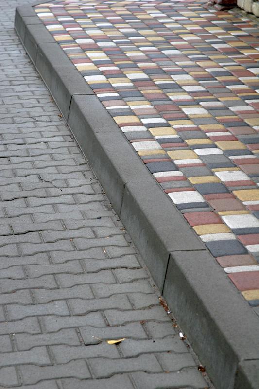 Тротуарные бордюры Алматы
