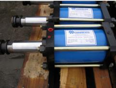 Piston hydraulic cylinders