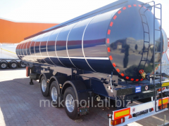 The semi-trailer tank for chemical products