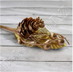 Bouquet with the pine cone, gold