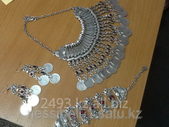Set of national jewelry