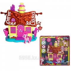 Пряничный Домик в игровом наборе с Пинки Пай