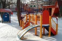 Качели, детские уличные комплексы