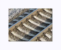 Cross ties are tselnobruskovy steel concrete