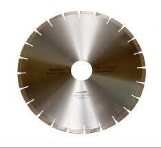 Detachable diamond disk on granite to a .mramor,