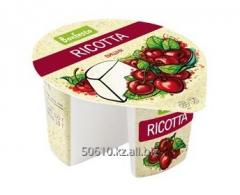Сыр мягкий Рикотта с фруктовым наполнителем Вишня