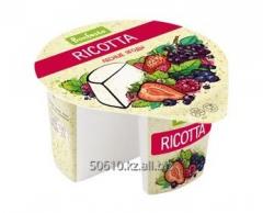 Сыр мягкий Рикотта с фруктовым наполнителем Лесные