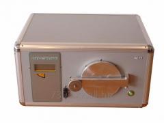 Alpha spectrometer of
