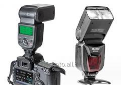 Flash of Phottix Mitros for Canon