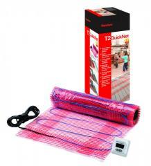 The heating T2QuickNet Plus mat (160 W/sq.m), the