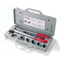 The tool for a razvaltsovyvaniye of pipes