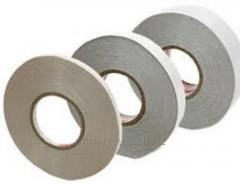 Adhesive tapes on a fabric basis