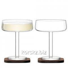 Set of two wine glasses under LSA champagne