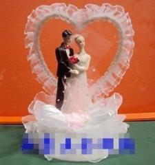 Groom and bride (decoration of wedding cake)