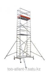 La torre de aluminio de la vuelta la altura de