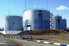 Capacities and tanks for storage of oil and oil