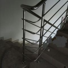Перила из нержавеющей стали и стекла