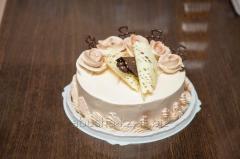 Honey cake with caramel cream