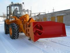 Snow cleaning equipment for roads