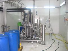 Disinfecting of water in the food industry