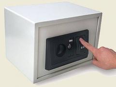 Сейф биометрический