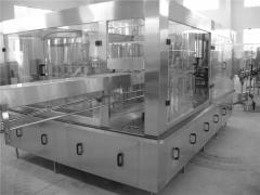 The line of pouring of drinking water in bottle PET, the equipment for pouring of drinks