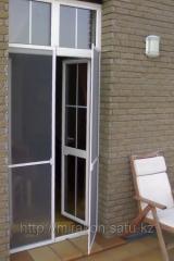 Антимоскитные сетки на двери